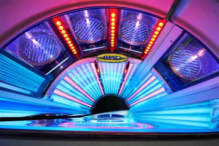 sunsational-spray-tan-spa-best-tanning-salon-near-me-chattanooga-klb-megasun-8000-3